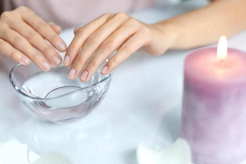 Jak zregenerować paznokcie po hybrydzie?