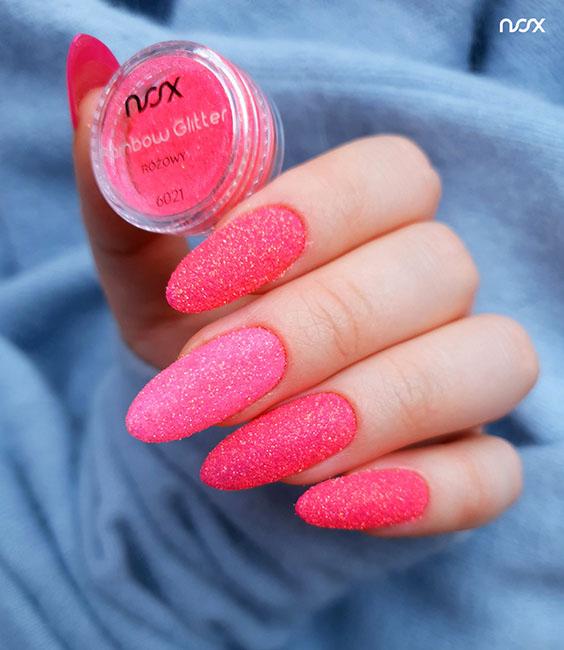 Brokatowe neonowe paznokcie