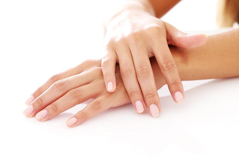 Jak odżywić paznokcie i jakich produktów do tego użyć?