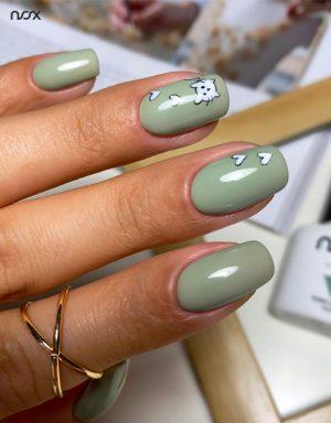 Brudnozielone paznokcie hybrydowe z wzorkami