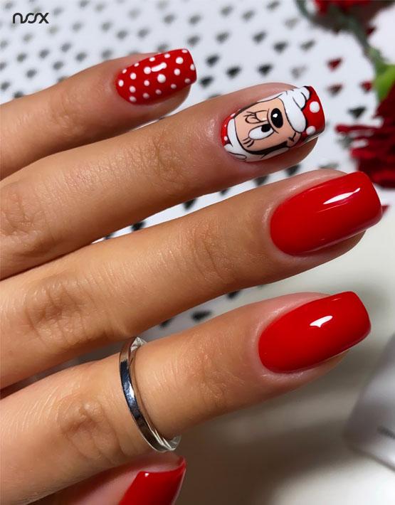 Czerwone paznokcie hybrydowe z wzorkami