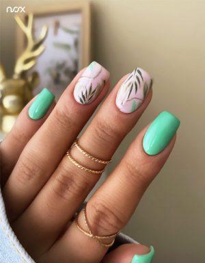 Jasnozielone paznokcie hybrydowe