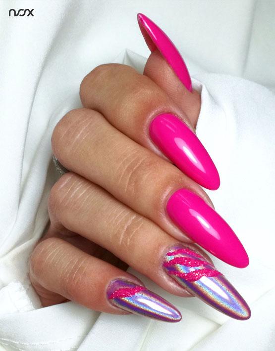 Malinowe paznokcie hybrydowe