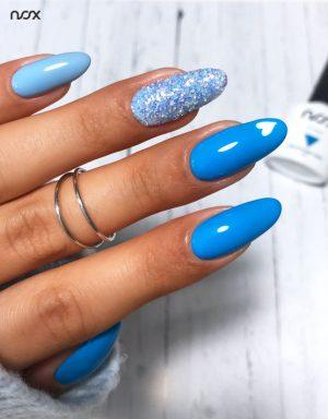 Niebieskie paznokcie hybrydowe
