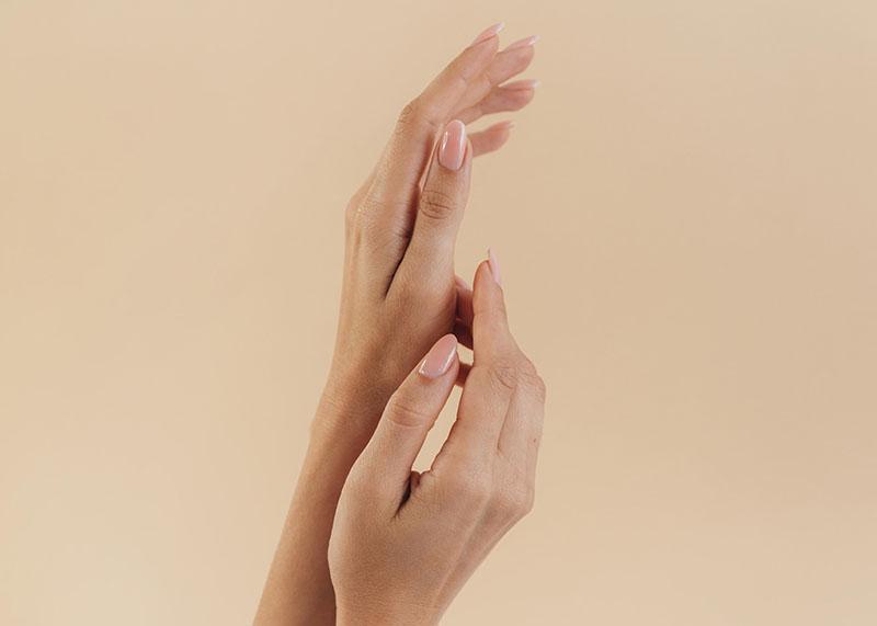 Miękkie paznokcie - jak je wzmocnić?